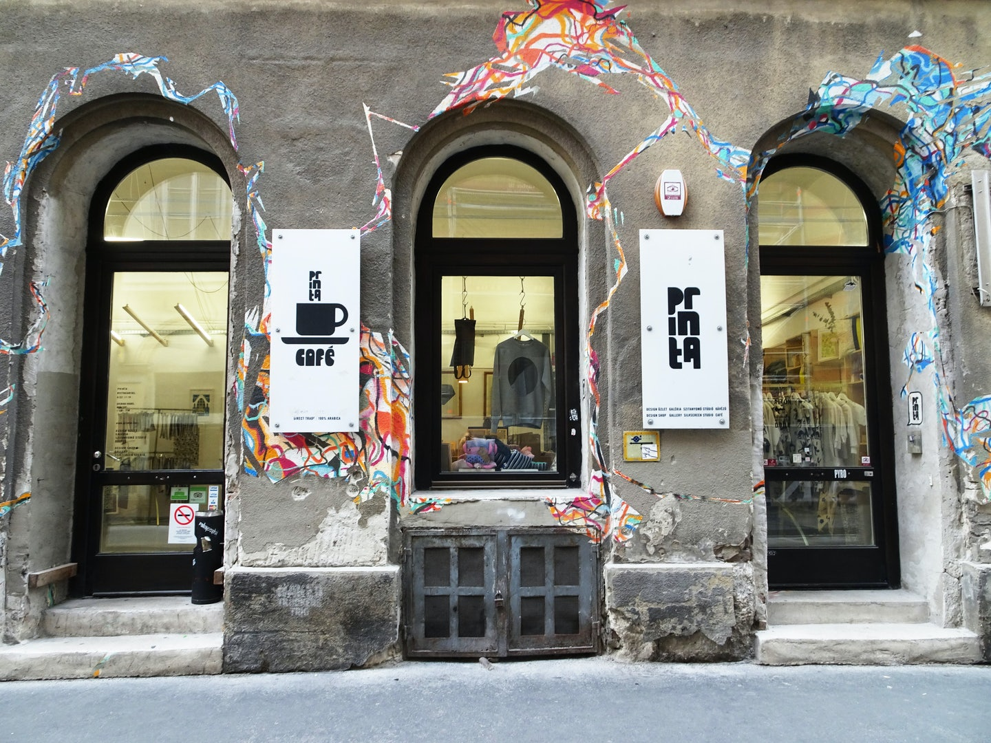 façade of Printa shop