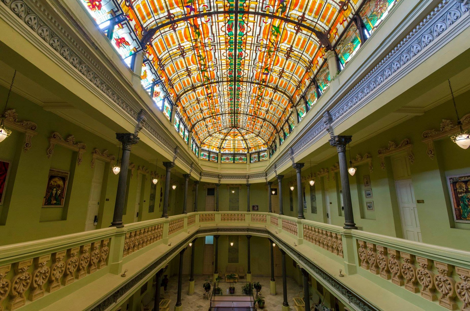glass ceiling of Hotel Raquel