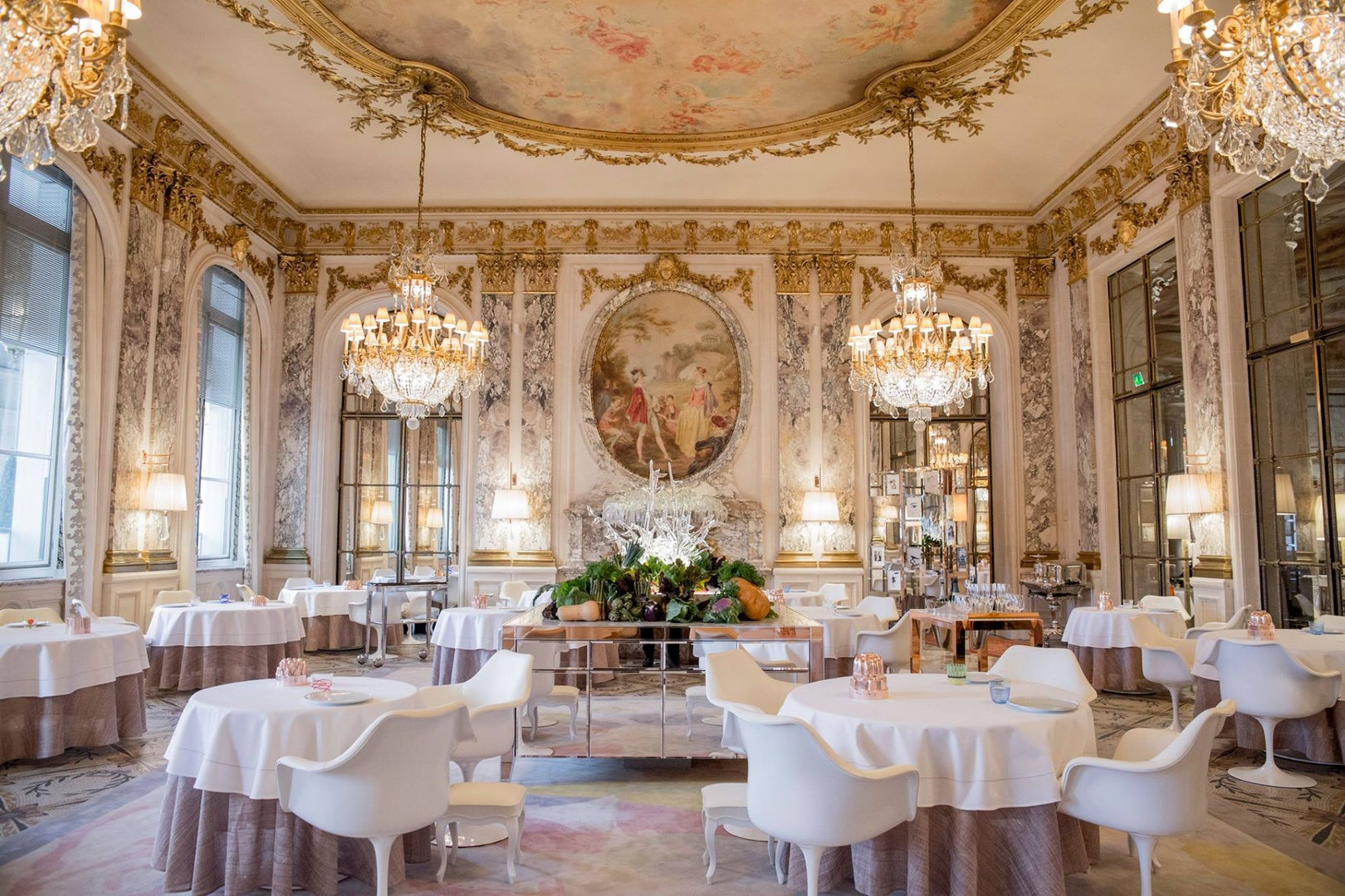 interior of restaurant and bar at Le Meurice