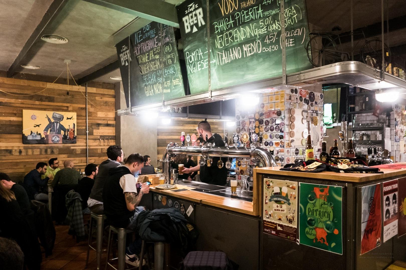 Bar interior of Hopside