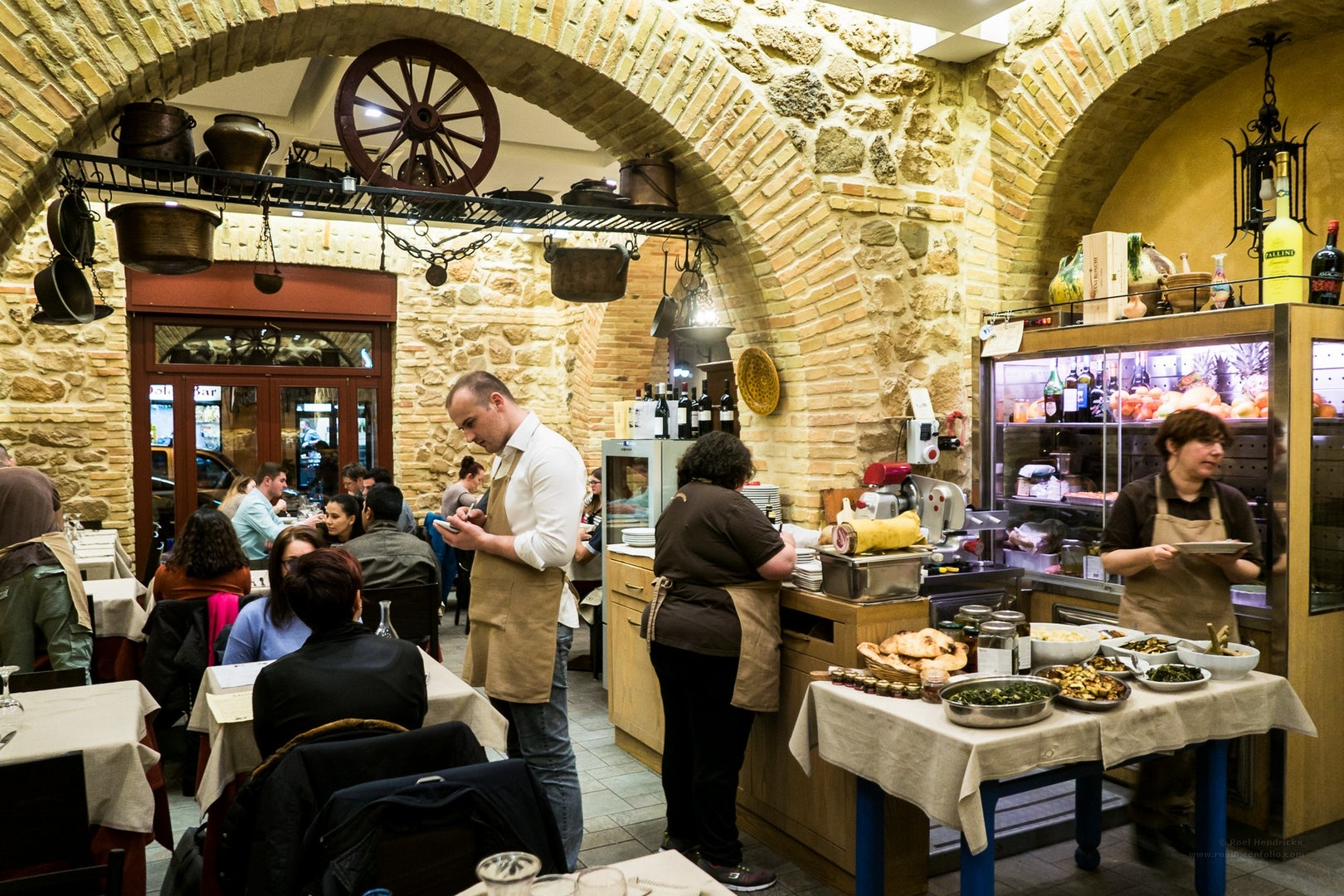 interior or La Tavernaccia restaurant in Rome