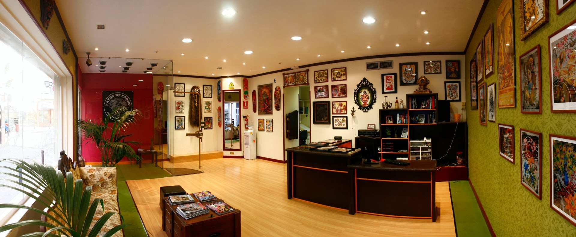 interior of Sin Rencor tattoo parlour