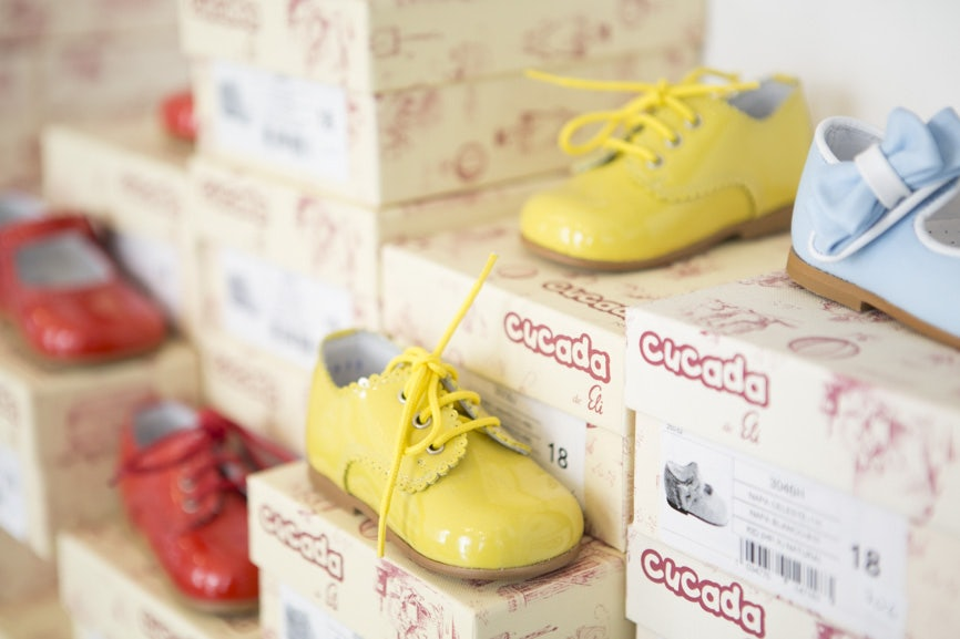 shoes for children at Aap. Noot. Mies. store