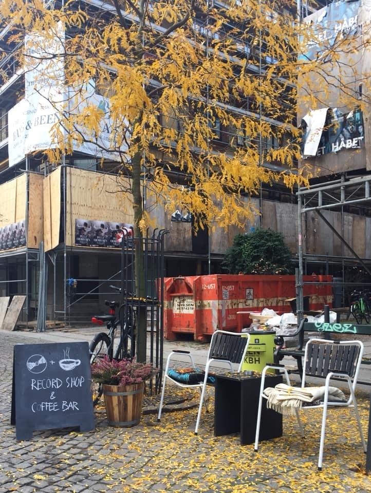terrace SORT Kaffe & Vinyl