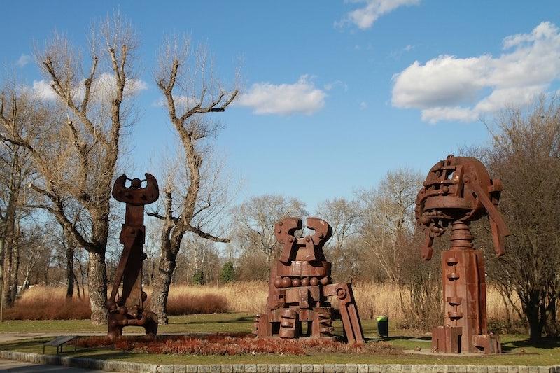 statue Donaupark Vienna