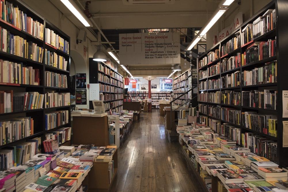 books at La Central store