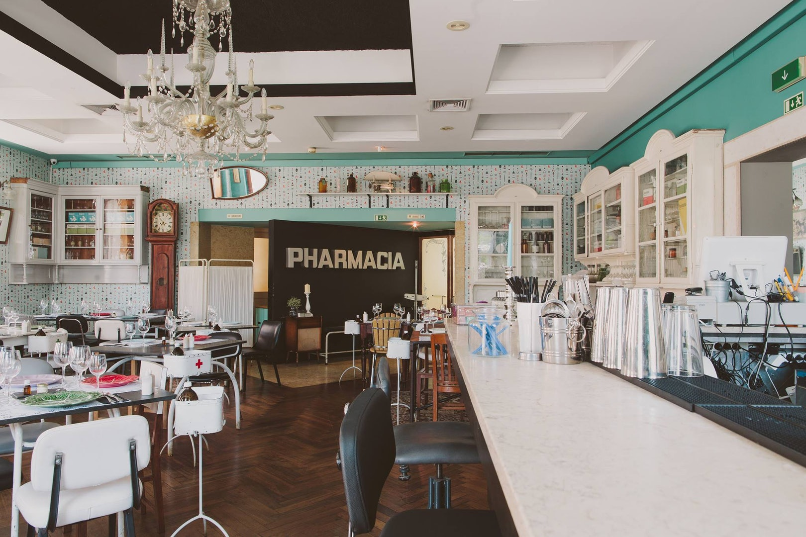 bar la Pharmacia in Lisbon