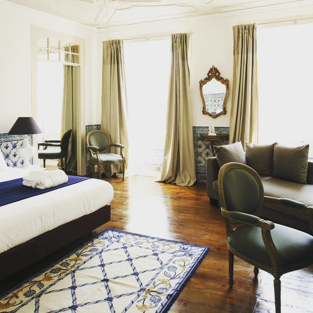 a hotel room at the Palacio Ramalhete
