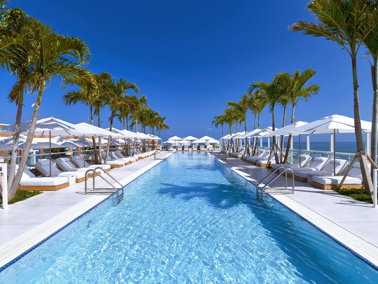 swimming pool of the 1 Hotel South Beach Miami