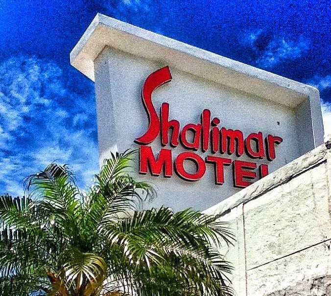 street sign of Shalimar Hotel Miami