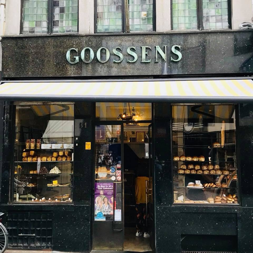 street frond and window of Goossens bakery