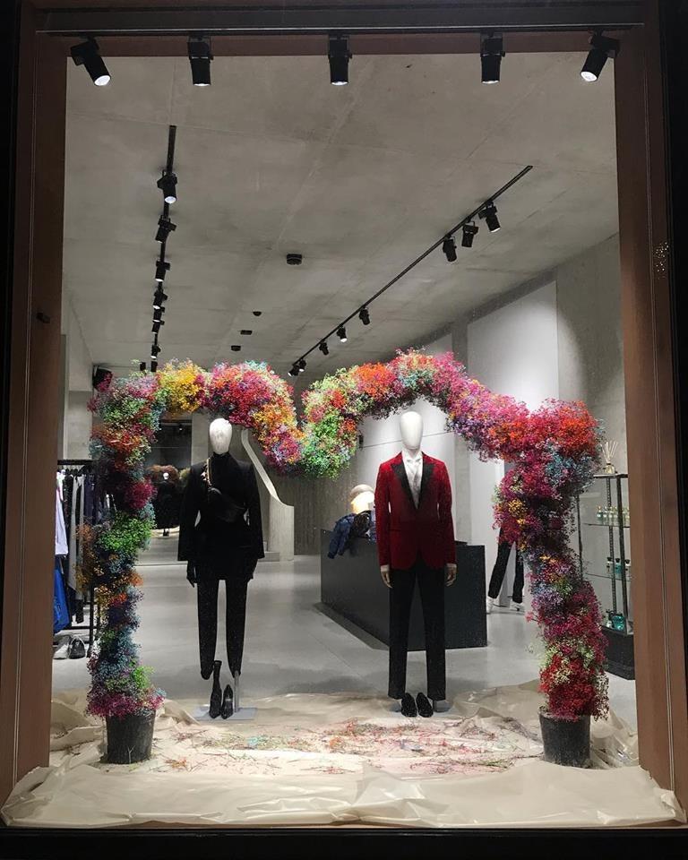 window display of LOUIS shop