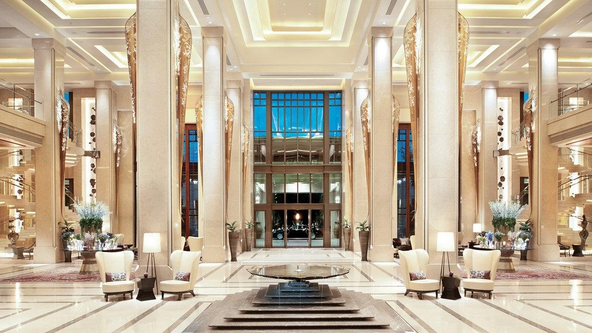 hotel lobby of Siam Kempinski