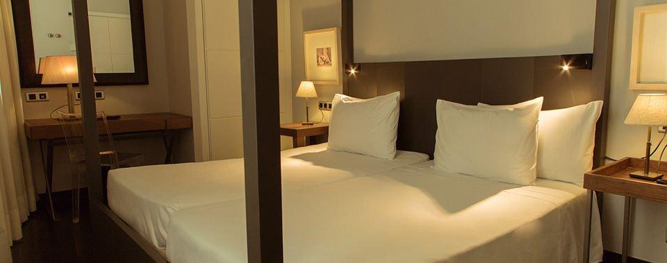 Banys Orientals room