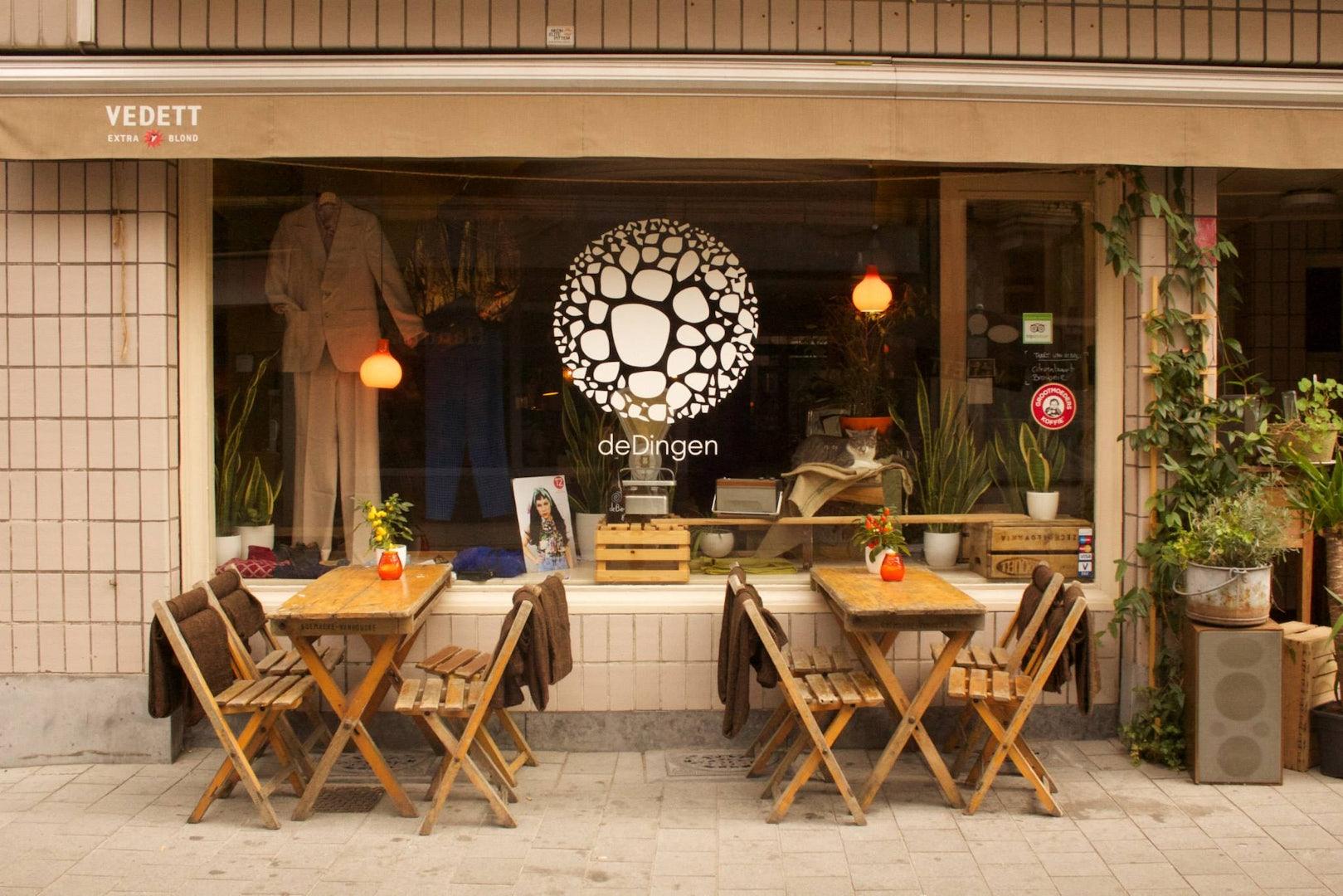 exterior of coffee bar De Dingen
