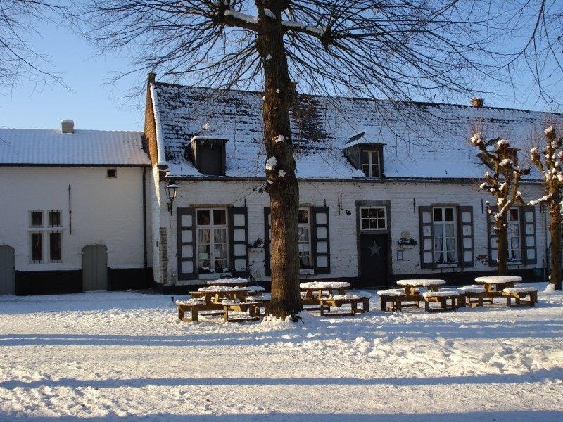 terrace of Estaminet in den Rozenkrans during winter