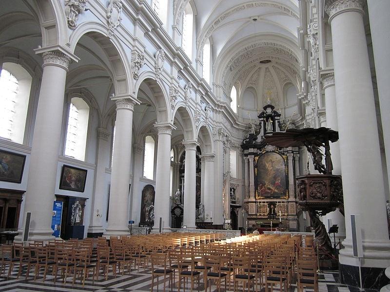 interior Sint-Walburgakerk