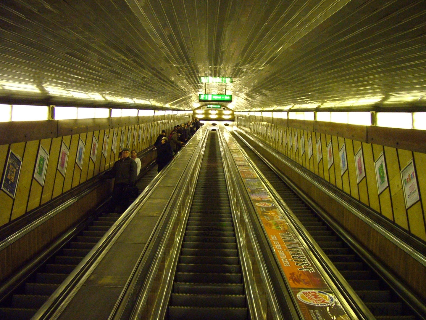 Escalator at Deak Ferec Ter station