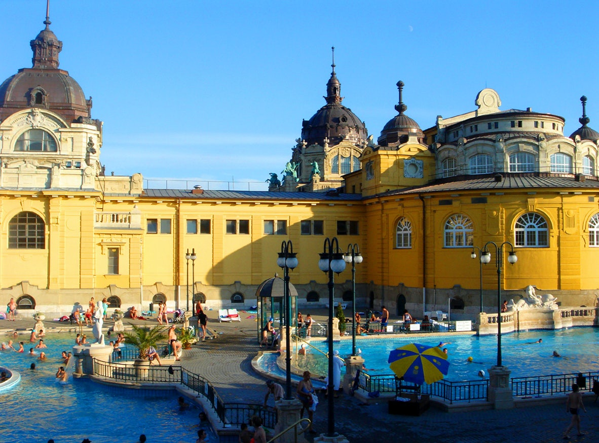 outdoor of Széchenyi baths