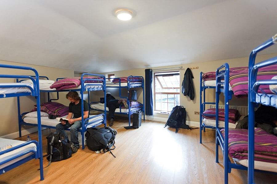 hostel drom Isaacs Hostel