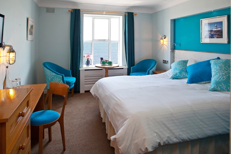 king sitric hotel room