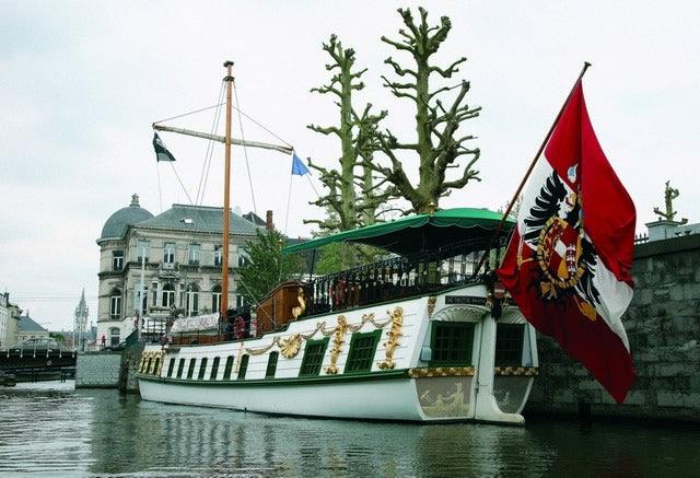 De Gentse Barge docked