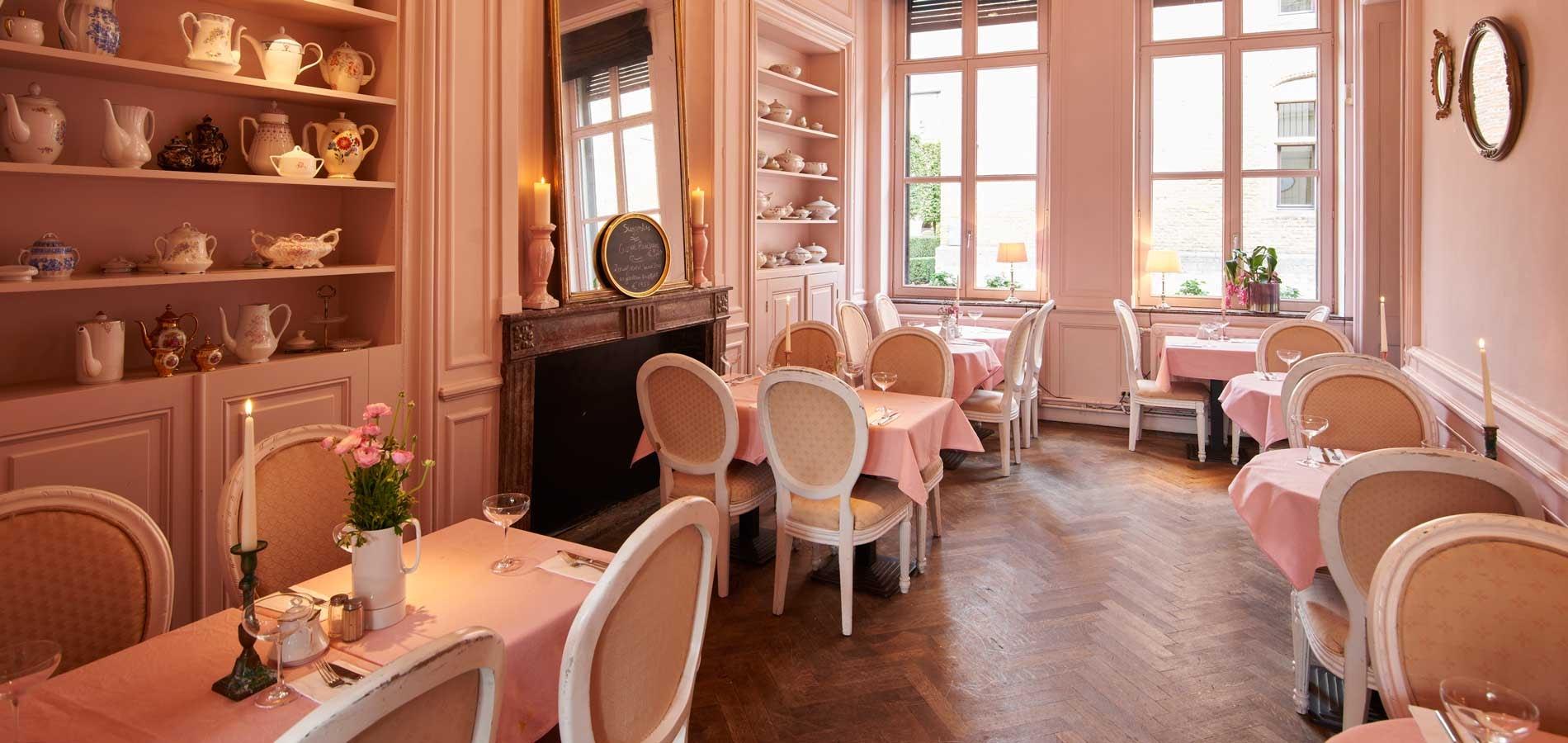 interior of restaurant Alice
