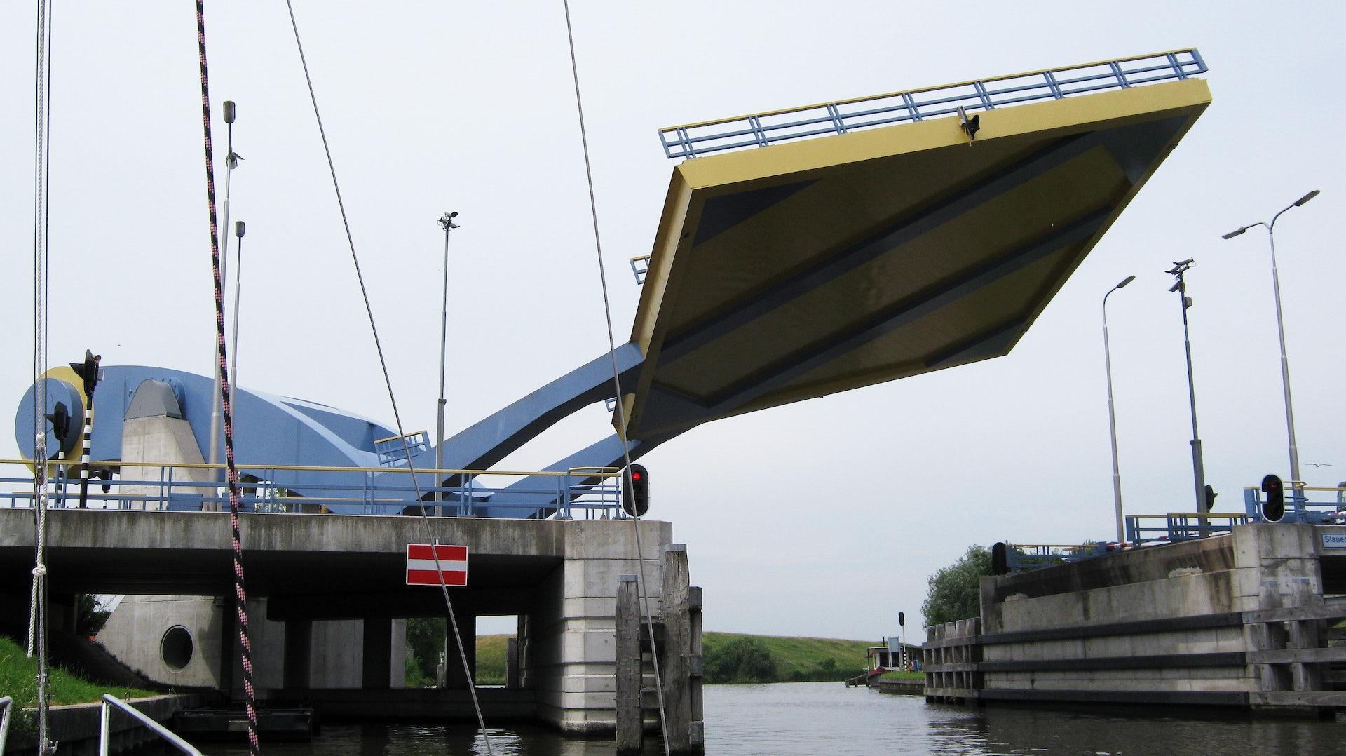 lifted Slauerhoffbrug