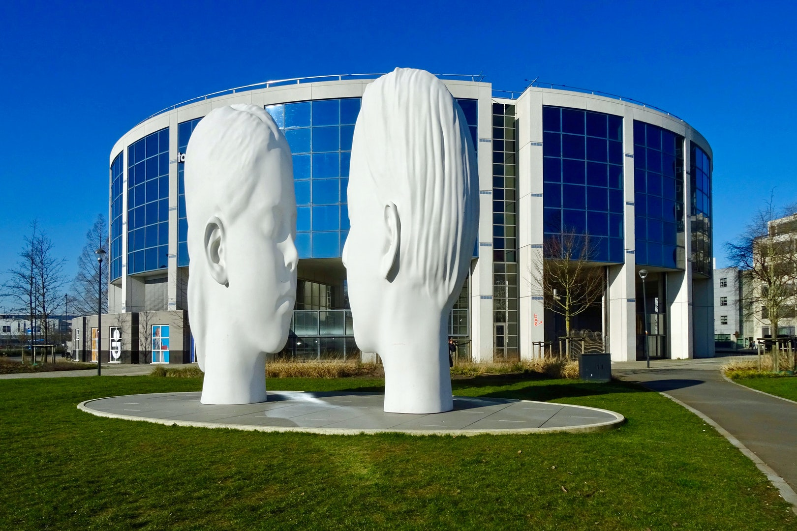 the Love sculpture by Jaume Plensa