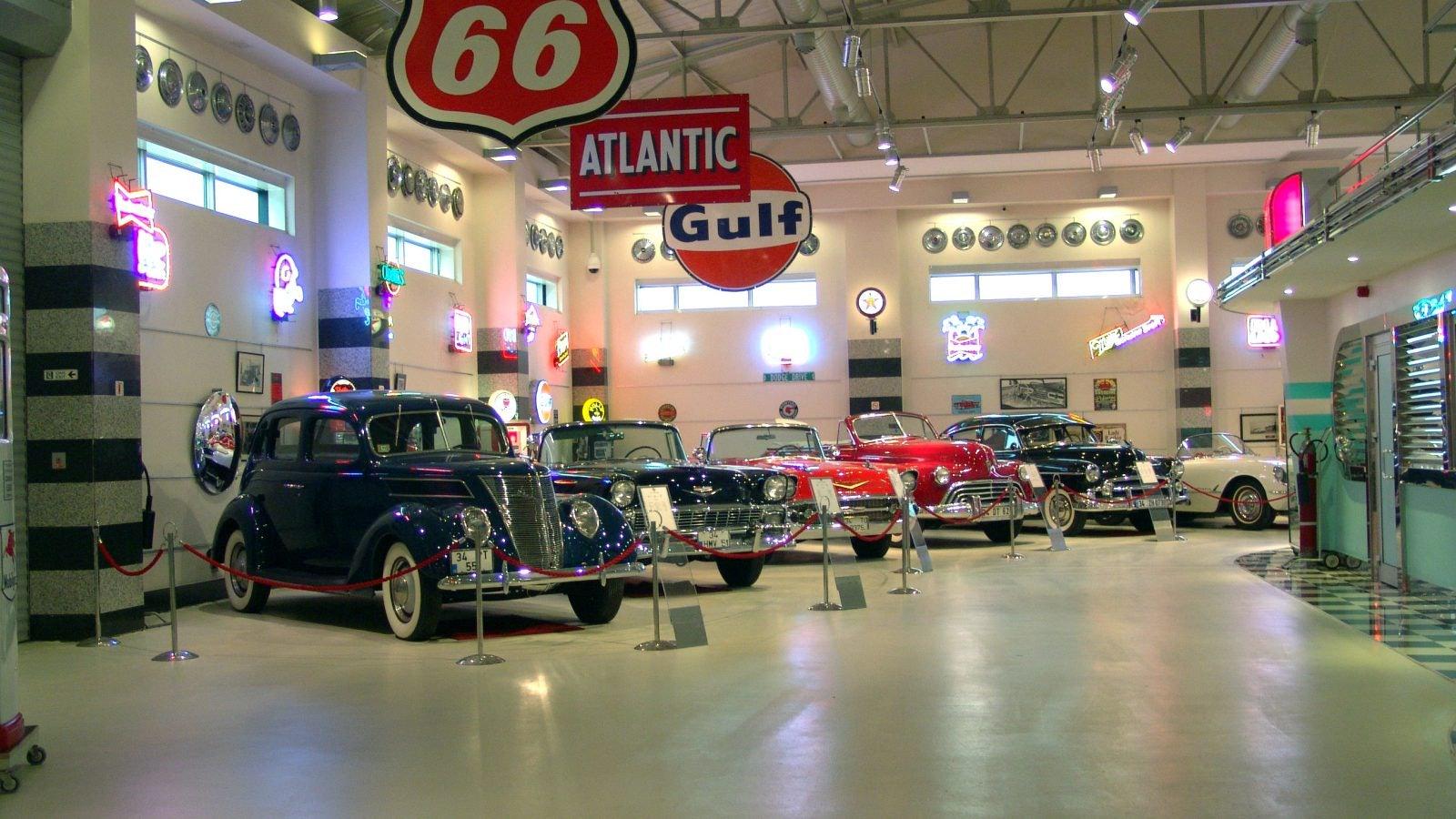 vintage cars at Ural Ataman museum