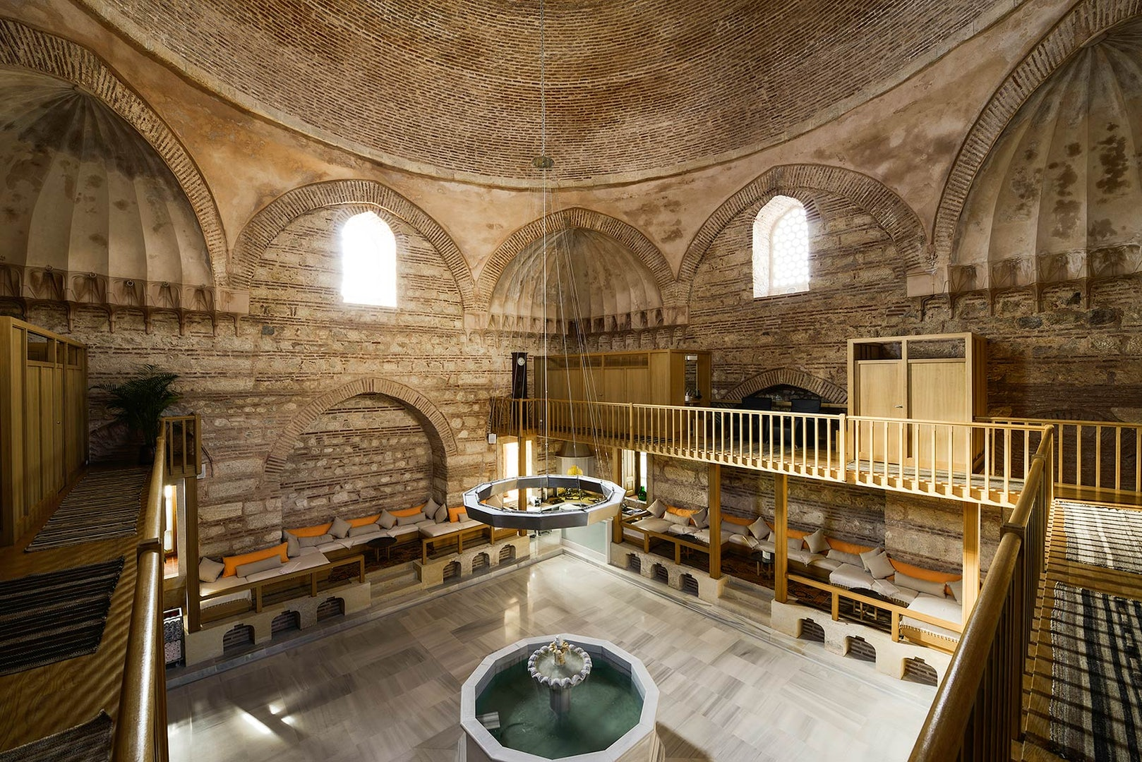 interior of Kiliç Ali Paşa Hamam