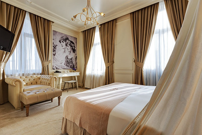 vintage style room at Galata Antique Hotel