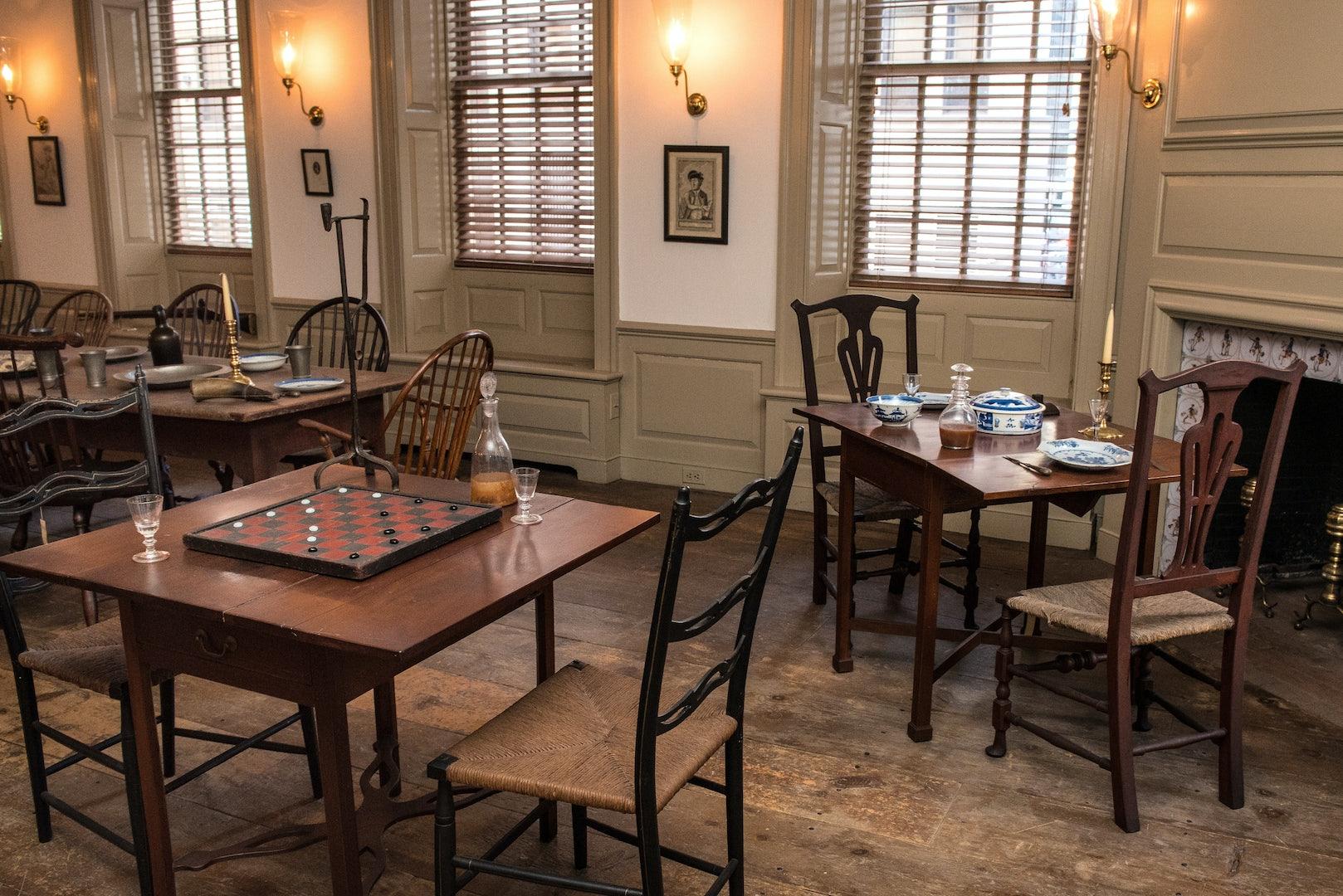 interior of Fraunces Tavern
