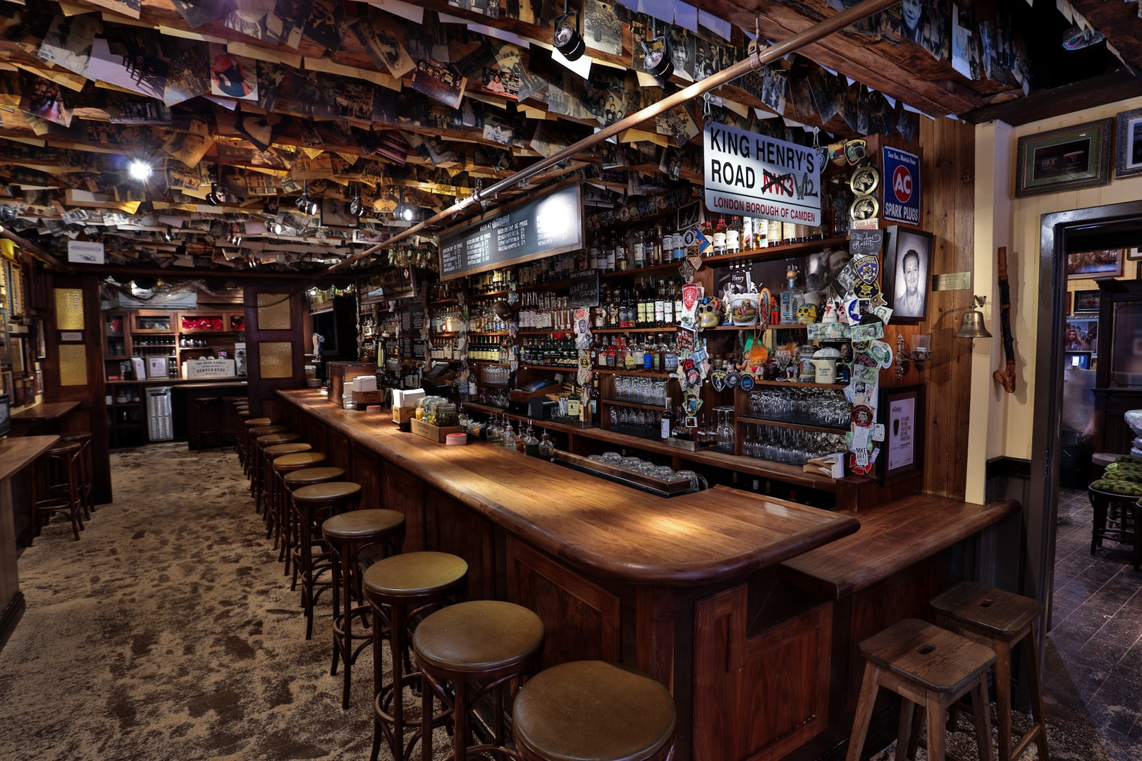 bar interior of the Dead Rabbit