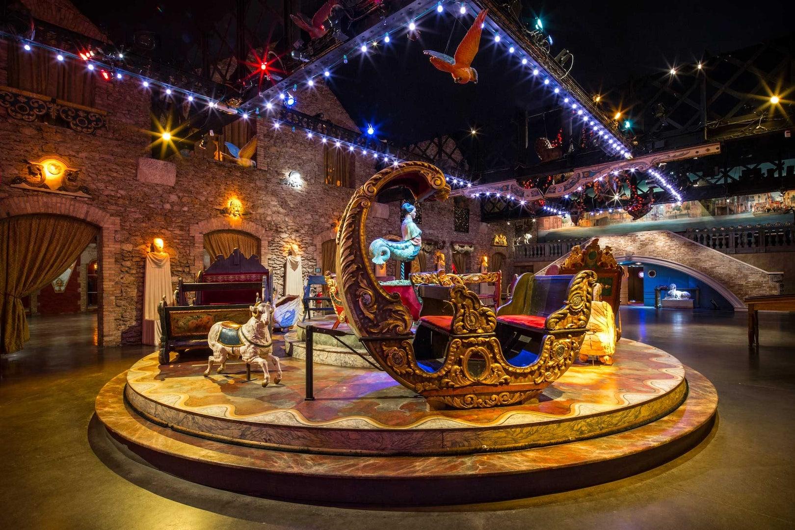 carrousel at Musée des Art Foraines