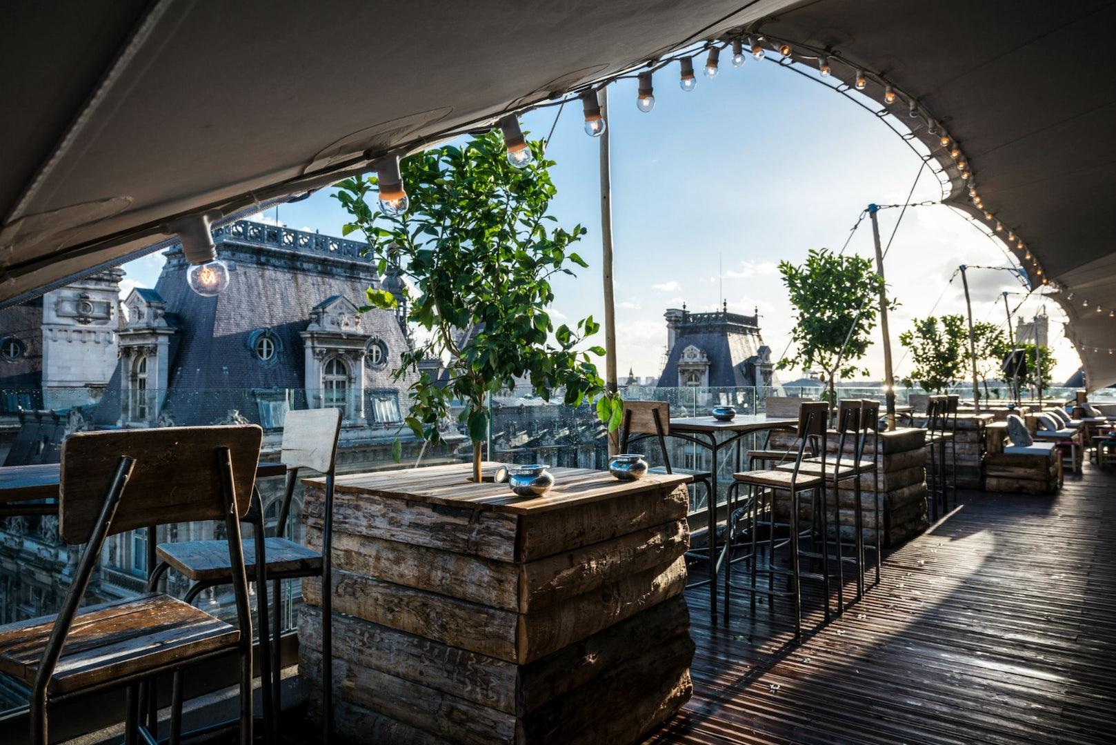 rooftop terrace at Le Perchoir