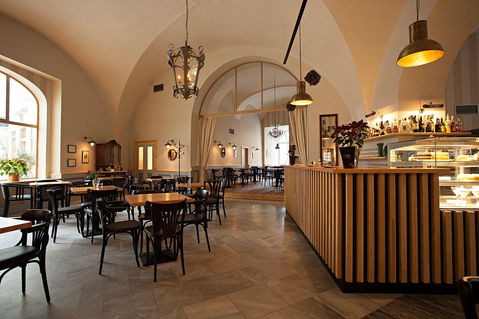interior of Café Platyz
