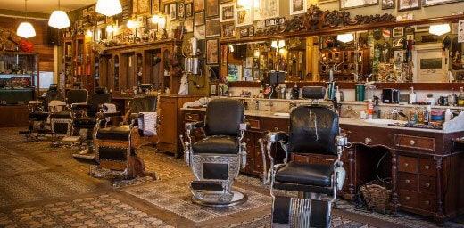interior of barber shop Schorem