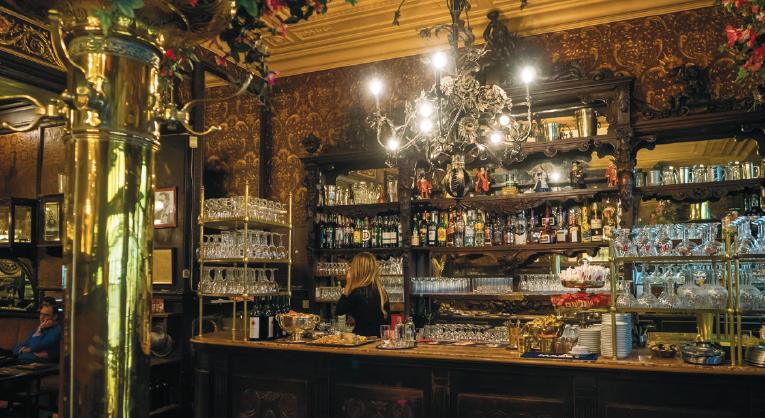 bar interior of Le Cirio