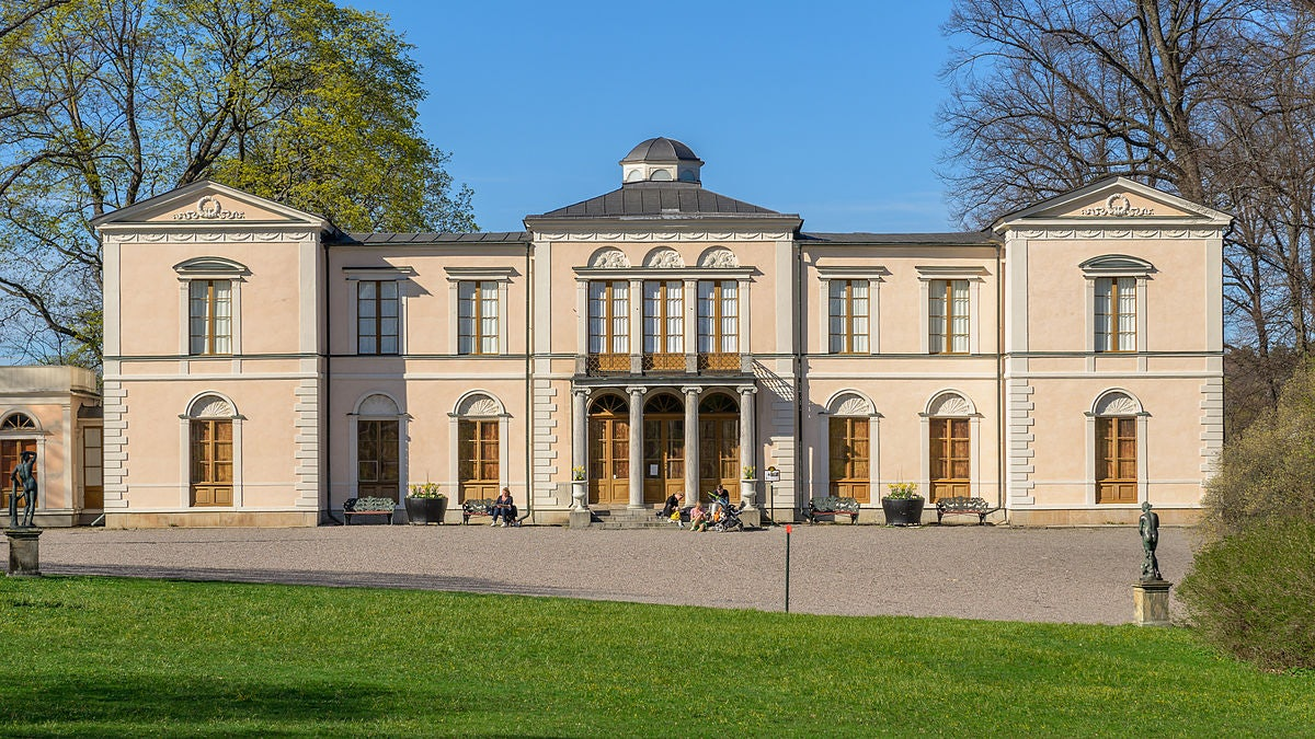 pastel pink-coloured exterior of the Rosendals Slott