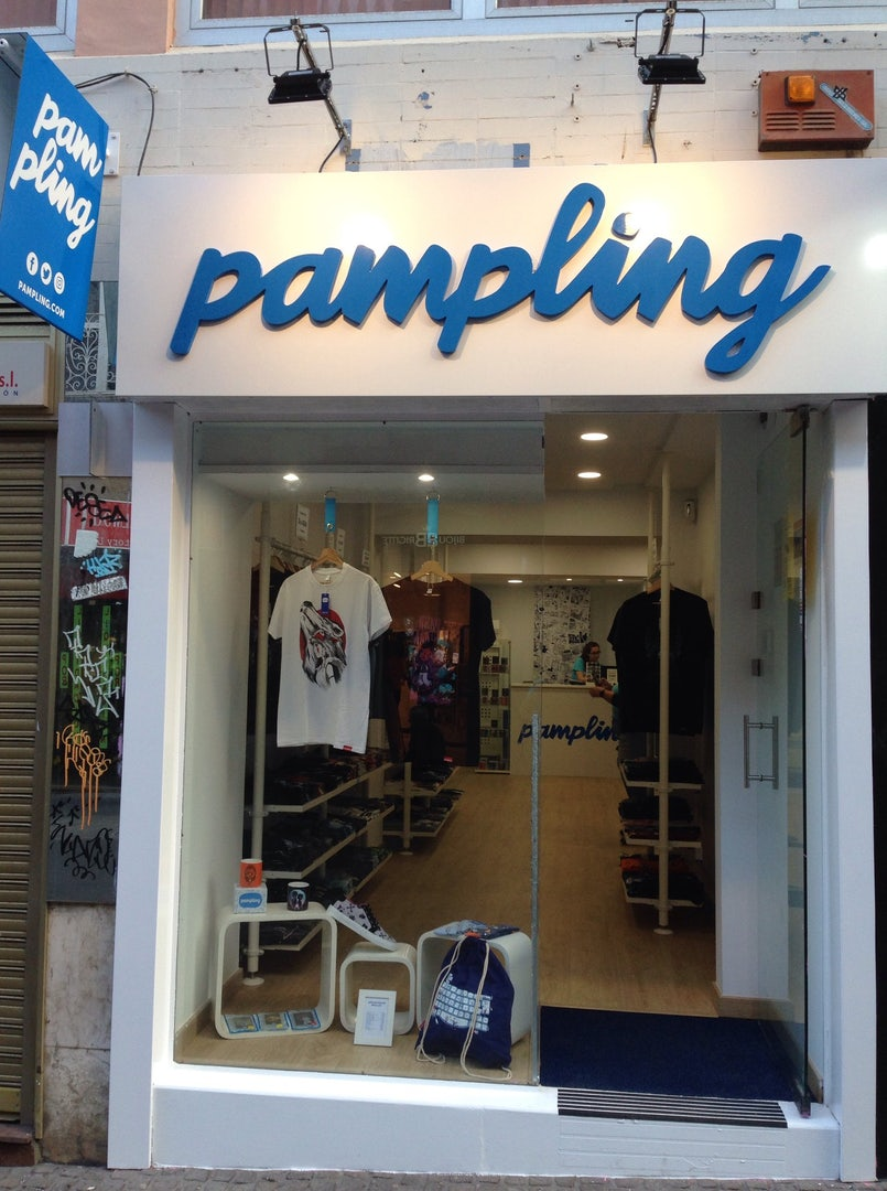 front view of Pampling store