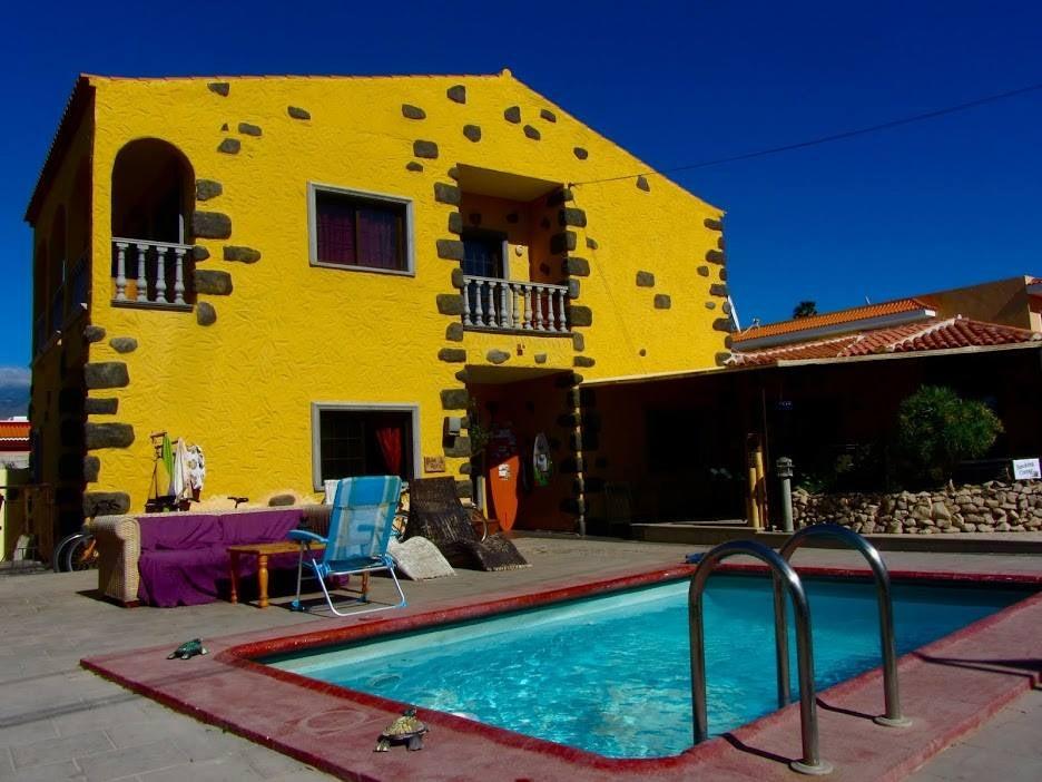 swimming pool at Los Amigos Hostel