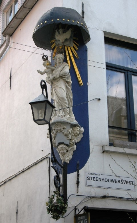 Statue of Virgin Mary at Steenhouwersvest