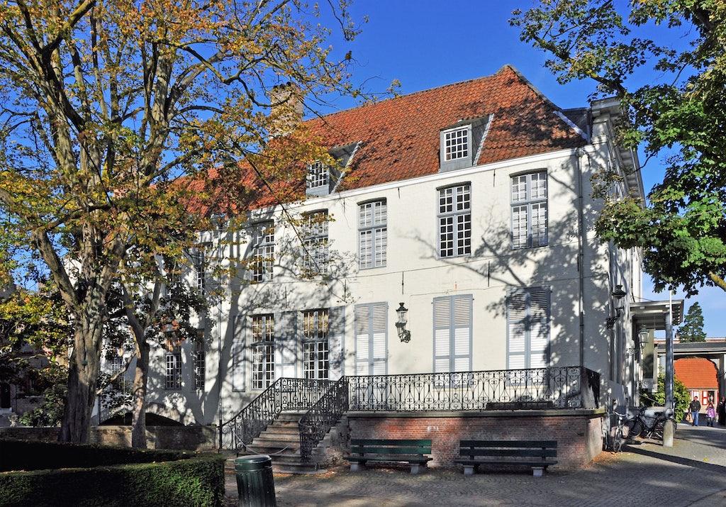 exterior of Arentshuis