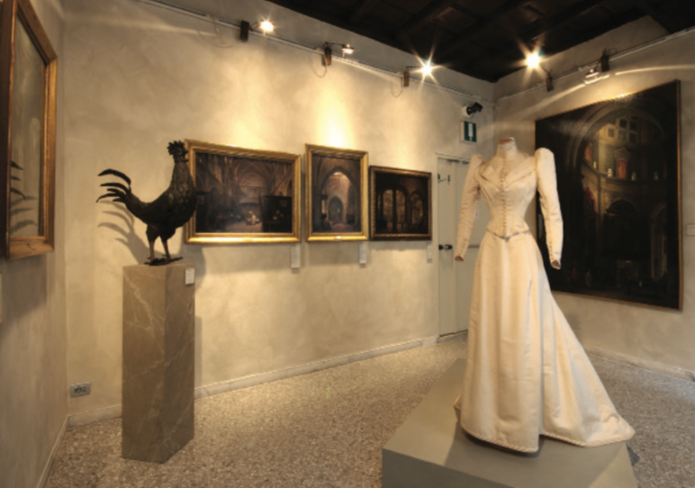 exhibition at the Costume moda immagine