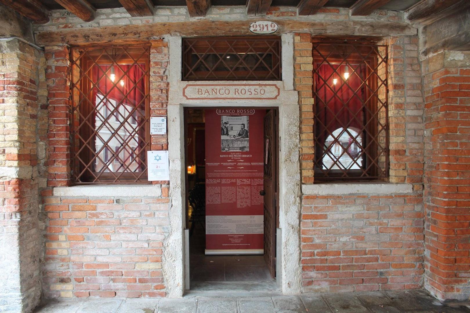 Il Banco Rosso in Venice