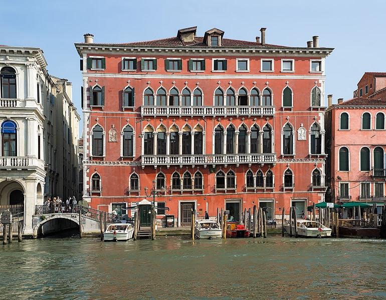 exterior of Palazzo Bembo