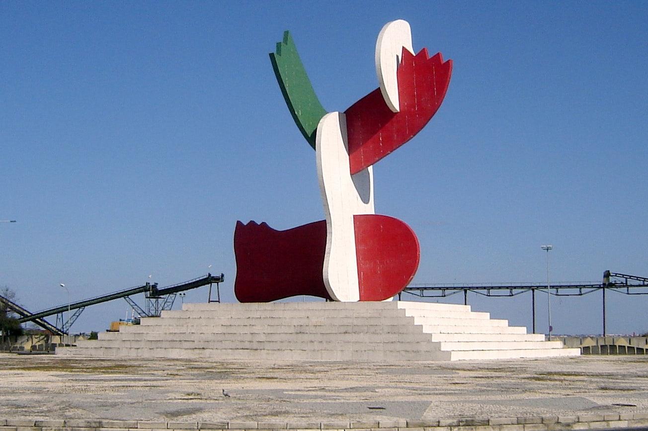 modern sculpture Lisboa