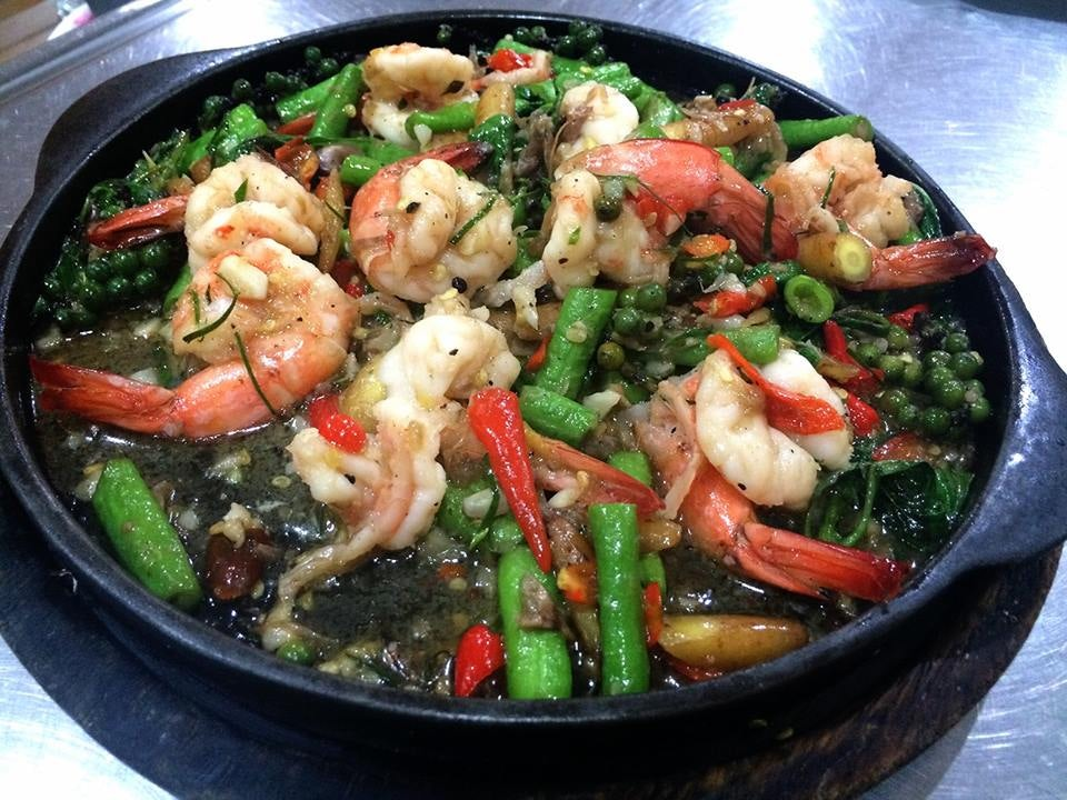 grilled schrimp dish at Lek Seafood