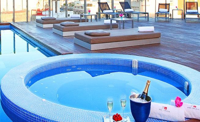 the Skybar and pool at Axel hotel